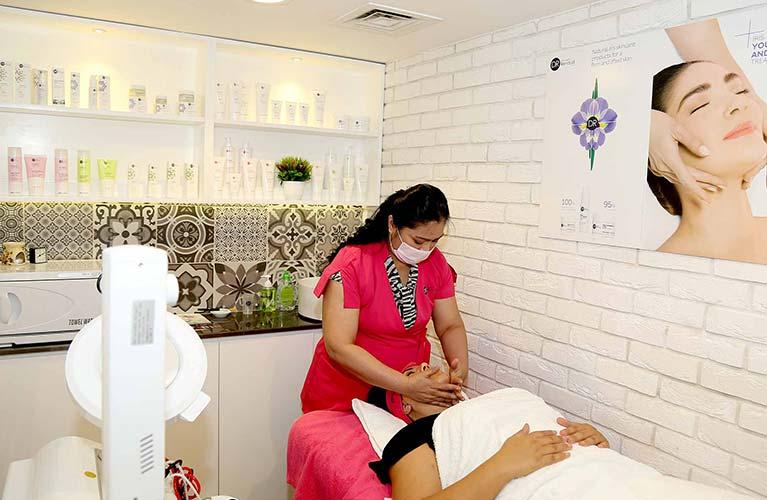 full face massage