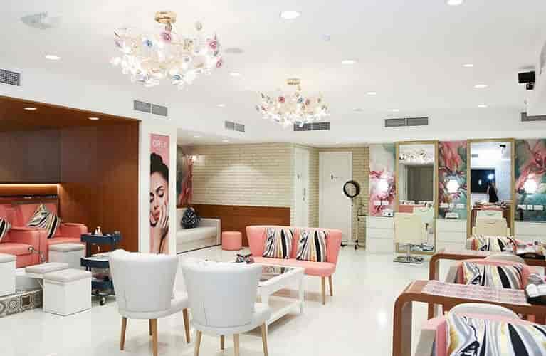 nail spa salon in dubai for ladies