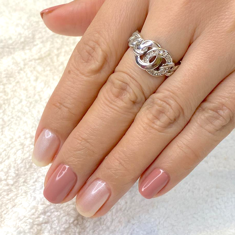 French manicure dubai